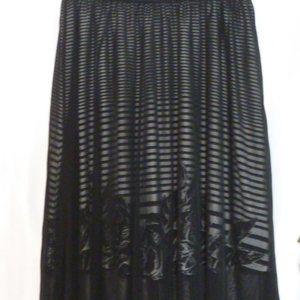 LuLaRoe Gorgeous Tulle skirt with beautiful design